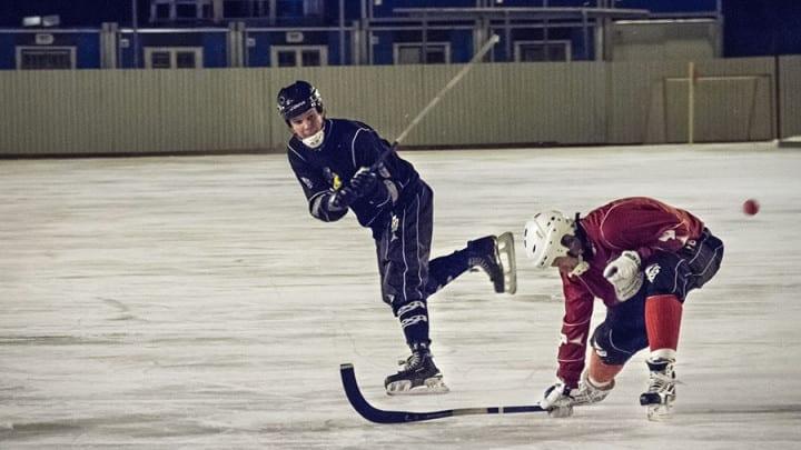 Edvin Berg med skott mot Uppsalas mål. Foto: Johan Borehed