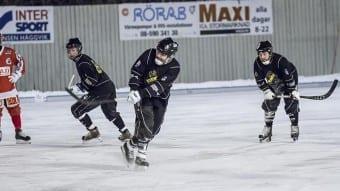 Henrik Hermansson avlossar ett straffslag.Foto: Johan Borehed